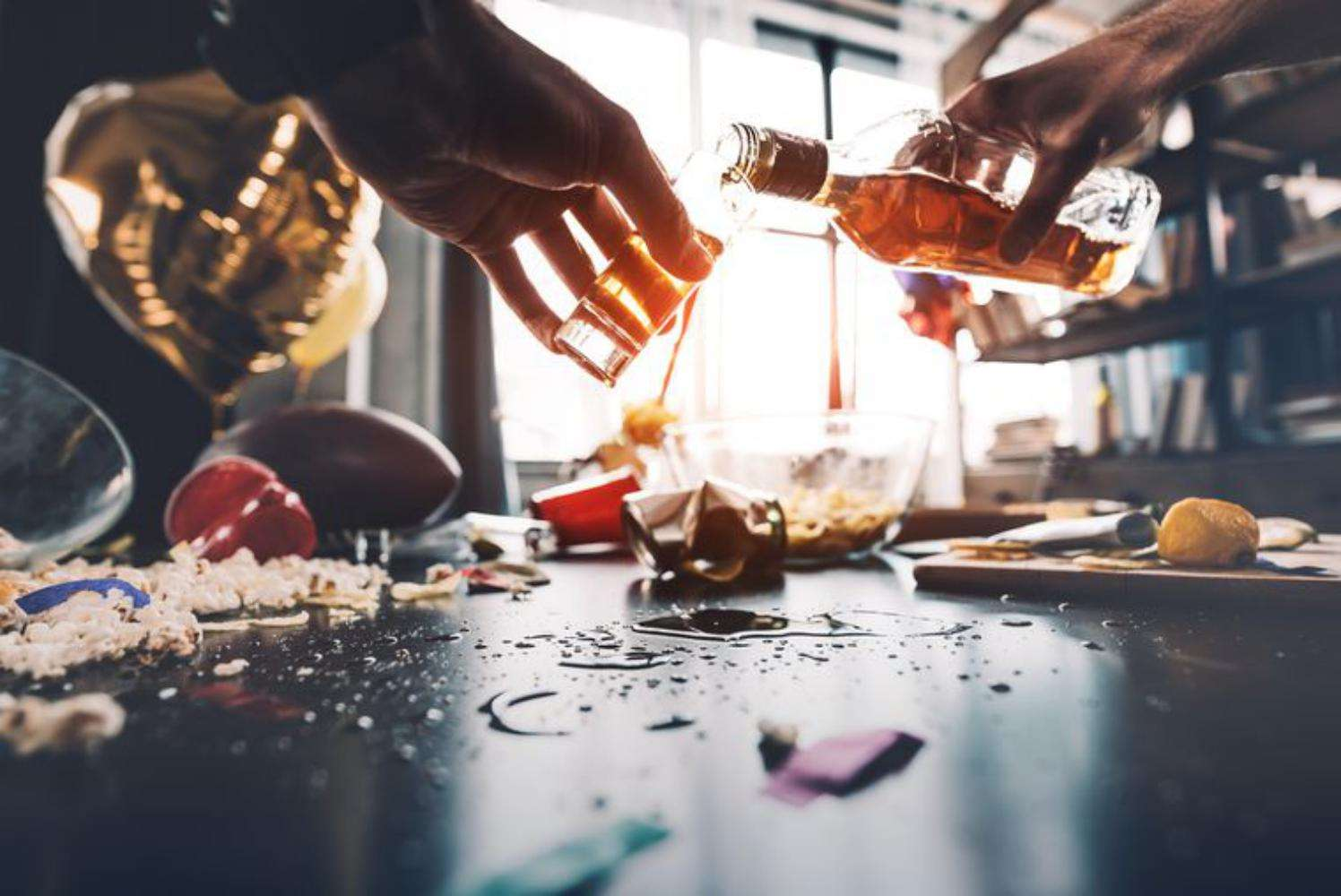 Signs of Alcoholism: Causes & Stages for man and woman