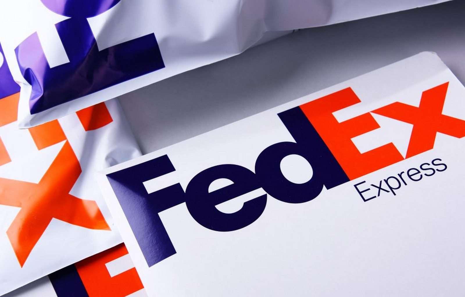 Обзор эмитентов Adobe и FedEx